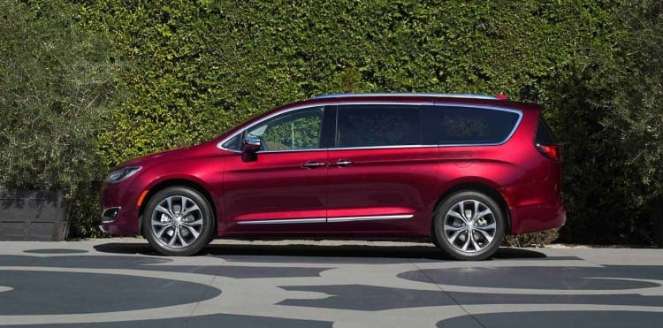 2017 Chrysler Pacifica Side View