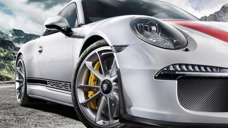 2017 Porsche 911 R15