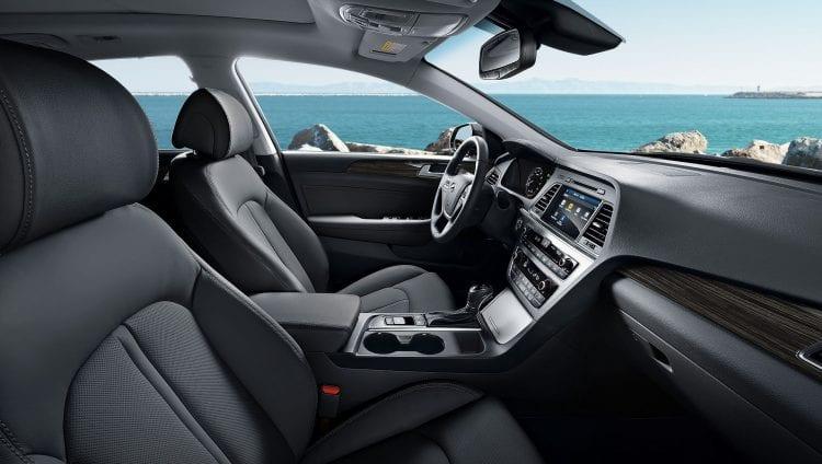 2016 Hyundai Sonata interior side view