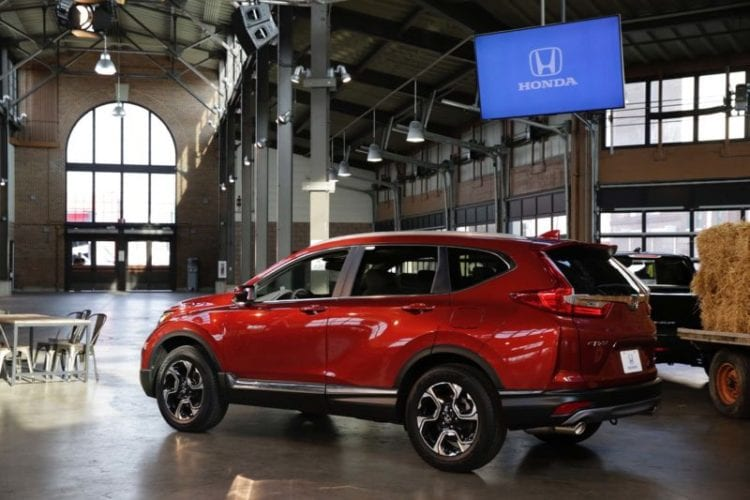 2017 Honda CR-V Side View image source: autoblog.com