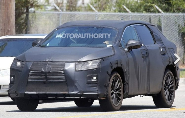 2017 Lexus RX 350 spy photo; Source: motorauthority.com