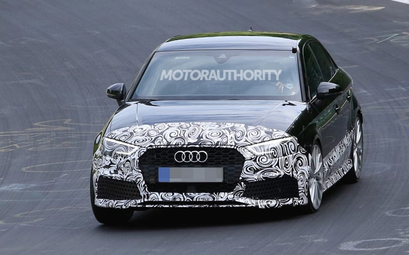 2018 Audi RS 3 spy shot 01