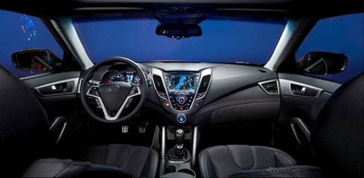 2018 Honda Accord interior; Source: carscomparison.net