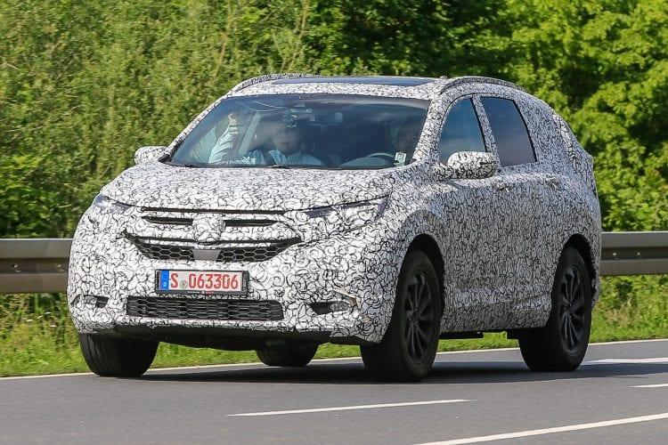 2018 Honda CR-V spy shots; Source: autoexpress.co.uk
