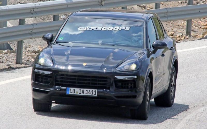2018 Porsche Cayenne Spy Shot 01