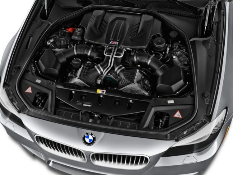 2014 BMW M5 Engine - Source: thecarconnection.com