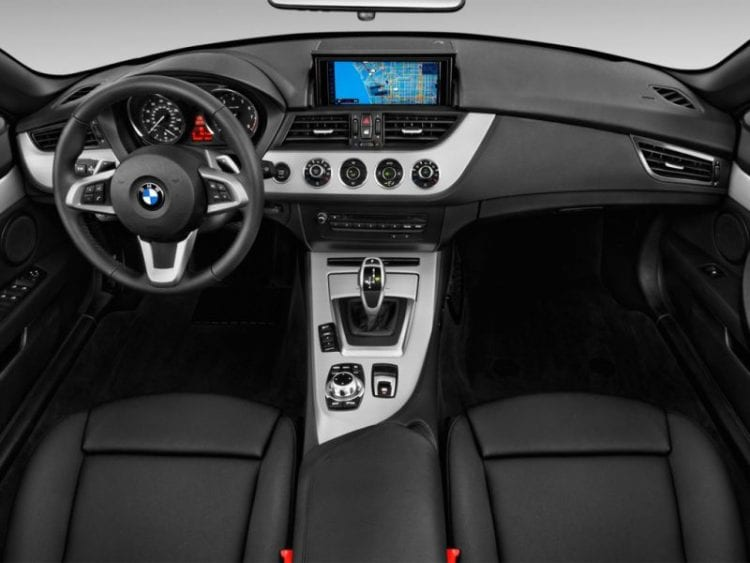2016 BMW Z4 2-door Roadster sDrive28i Dashboard - Source: thecarconnection.com