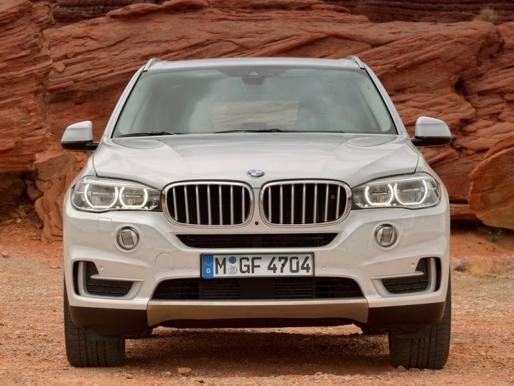 2017-BMW-X7-Front
