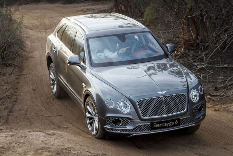 2017 bentley bentayga review price specs colors hybrid cost. Black Bedroom Furniture Sets. Home Design Ideas