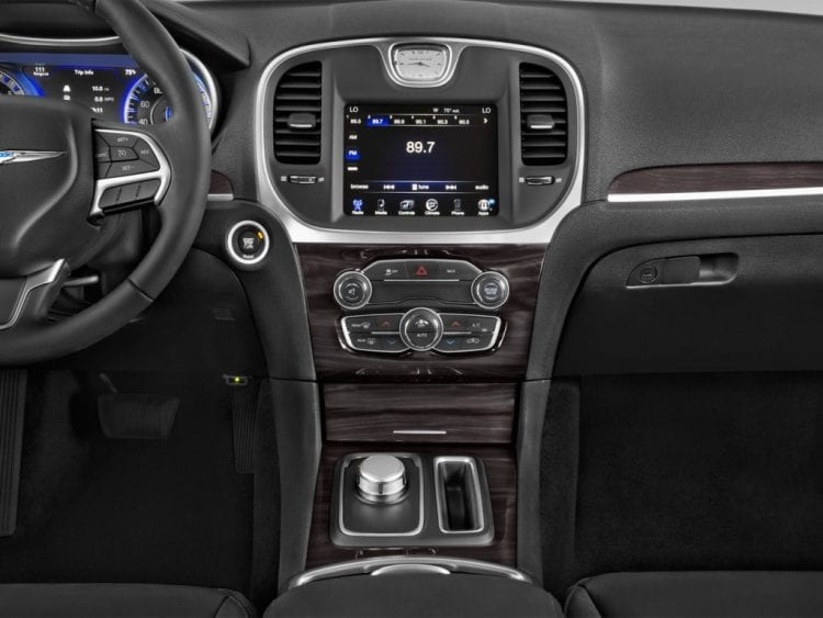 2016 chrysler 300c review price specs pictures accessories - Chrysler 300 interior accessories ...