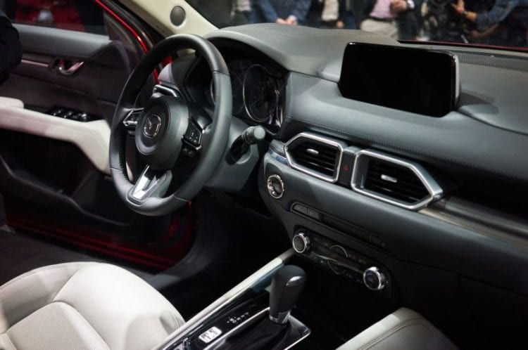 2017 Mazda CX-5 Interior image source: motortrend.com