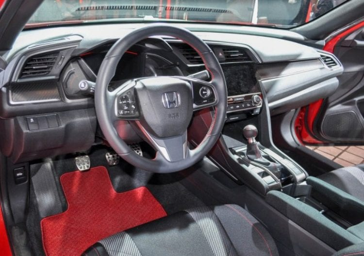 2017 Honda Civic Si Interior. Source:motorauthority.com
