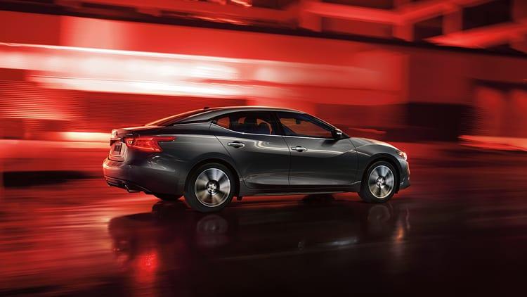 2017 Nissan Maxima Looks Interior Performance