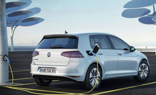 2017 volkswagen e golf electrifying the legend review specs engine. Black Bedroom Furniture Sets. Home Design Ideas