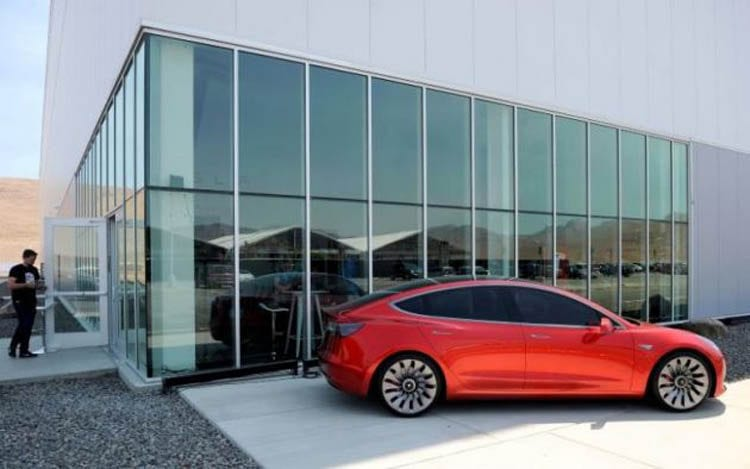 Tesla Model 3 the New Battery