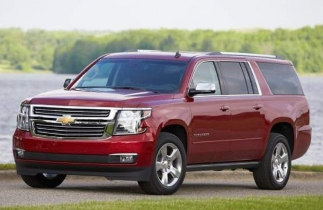 2017 chevrolet suburban when tahoe isn 39 t enough engine price. Black Bedroom Furniture Sets. Home Design Ideas
