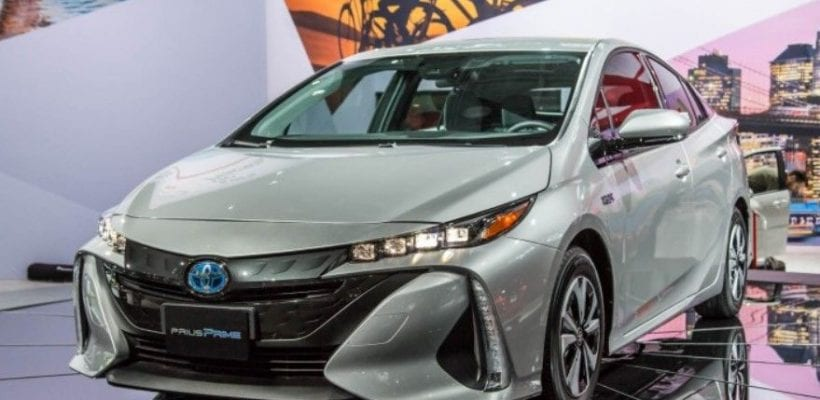 2017 Toyota Prius Prime Vs 2017 Chevrolet Volt Electric Clash Review