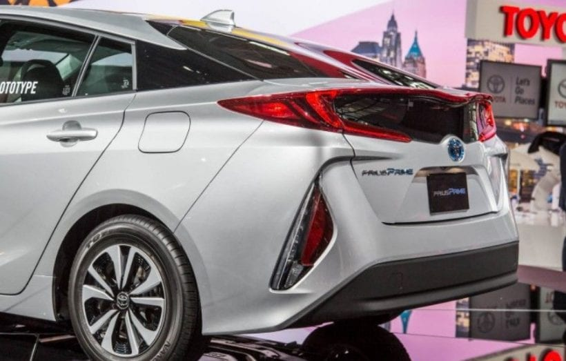 Fantastic 2017 Toyota Prius Prime VS 2017 Chevrolet Volt  Electric