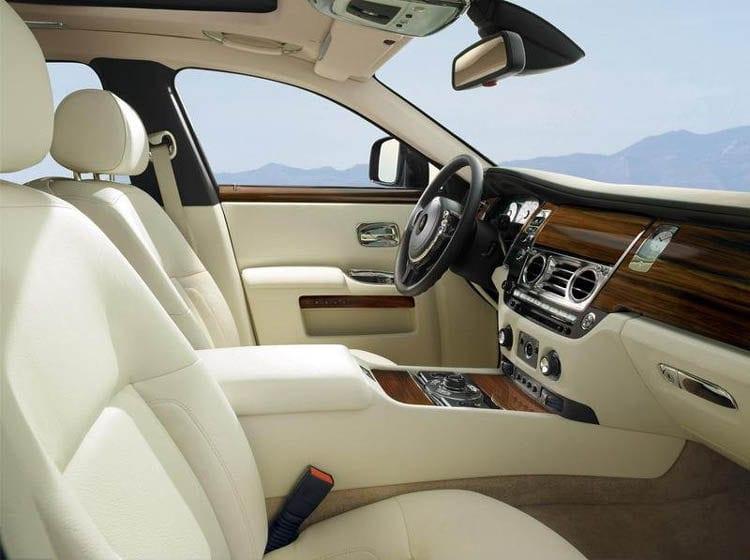 2019 Rolls Royce Cullinan Design Performance Price