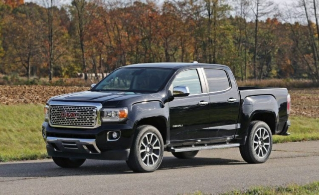 2017 gmc canyon separation of paths price specs performance review. Black Bedroom Furniture Sets. Home Design Ideas