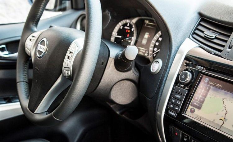 2017 Nissan Navara Series II Interior