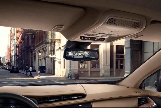 2018 Cadillac XT3 interior