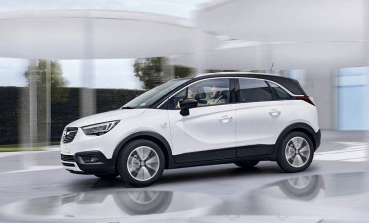 2018 Opel Crossland X side view 2