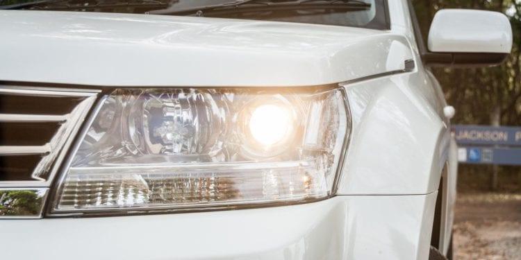 Suzuki Grand Vitara Sport 2016 front light