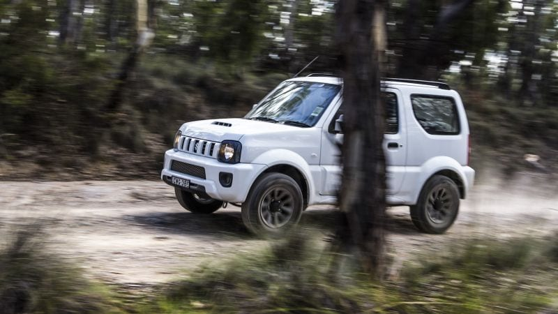 suzuki jimny 2017 ruler without a throne it deserves. Black Bedroom Furniture Sets. Home Design Ideas