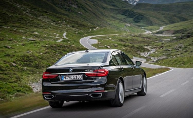 2017 BMW 740e back view