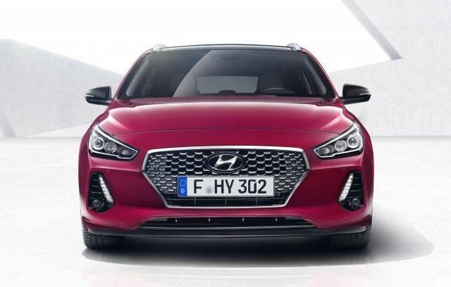 2018 Hyundai i30 Tourer front view