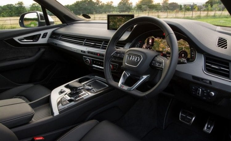 2017 Audi SQ7 interior