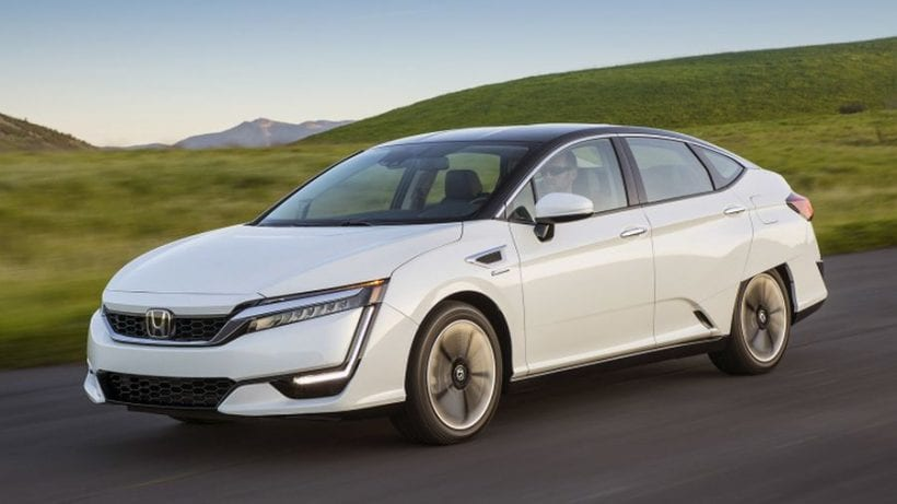 2017 honda clarity fuel cell features price specs features h power. Black Bedroom Furniture Sets. Home Design Ideas