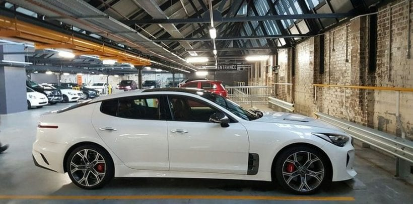 2017 Kia Stinger GT side view 2