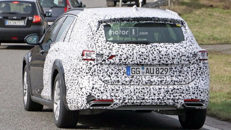 2018 Opel Insignia Country Tourer back view 1