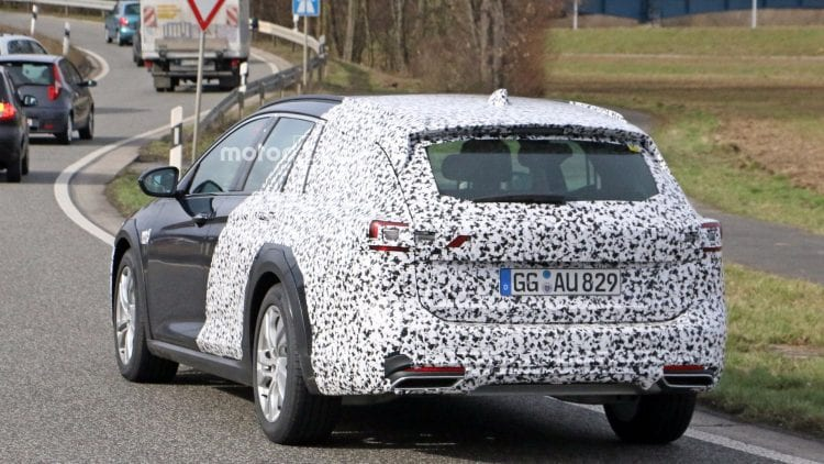 2018 Opel Insignia Country Tourer rear view