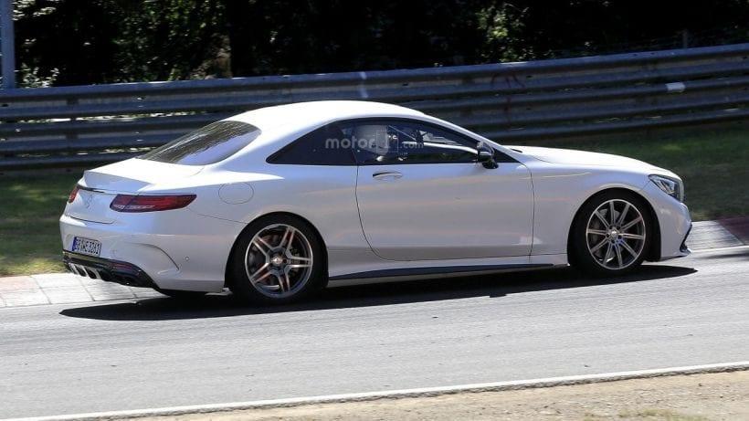 2019 Mercedes SL looks