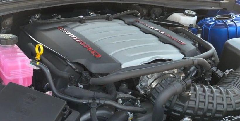 Mustang vs Camaro engine