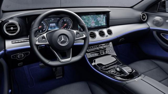 2017 Mercedes-AMG E43 interior