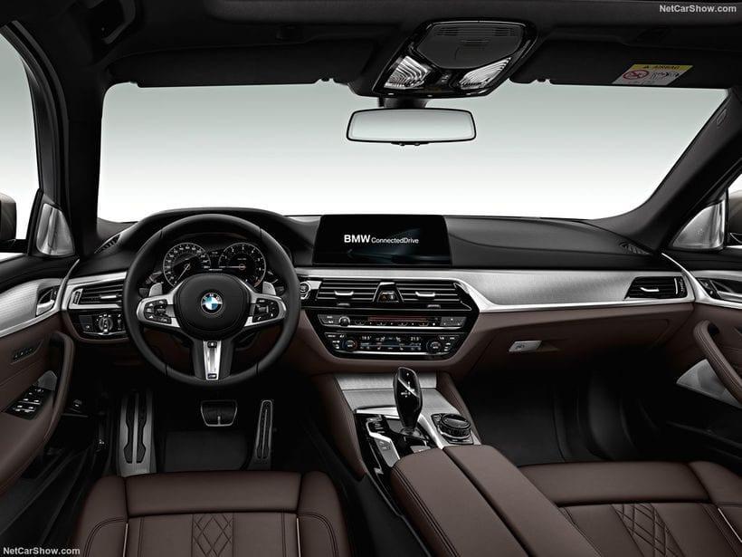 2018 BMW M550d XDrive Touring interior