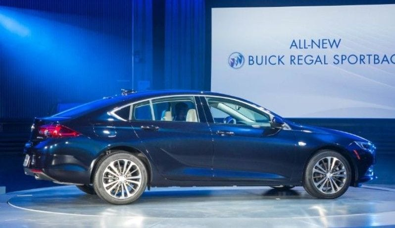 2018 Buick Regal Sportback 2