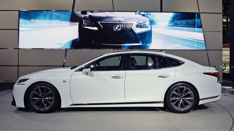 https://carsoid.com/wp-content/uploads/2017/04/2018-Lexus-LS-500-F-Sport-side-view.jpg