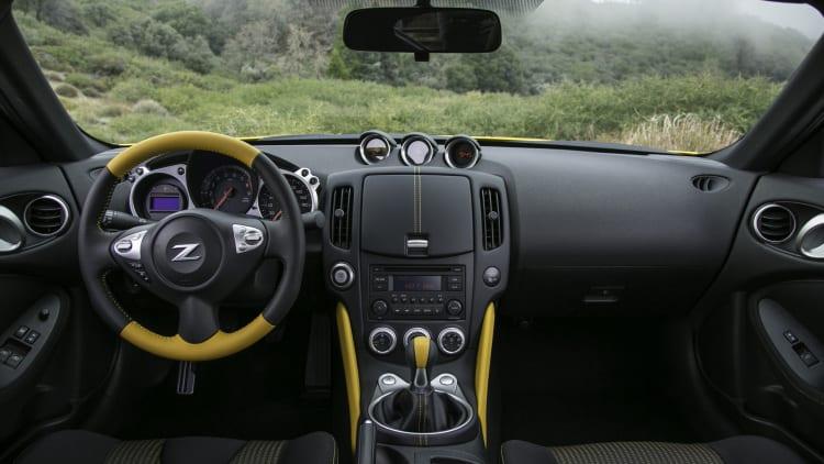 2018 Nissan 370Z Heritage Edition interior