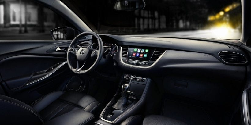 2018 Opel Grandland X interior