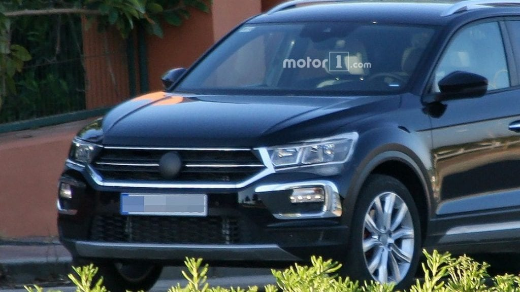 2019 volkswagen t roc spy photos price release date. Black Bedroom Furniture Sets. Home Design Ideas
