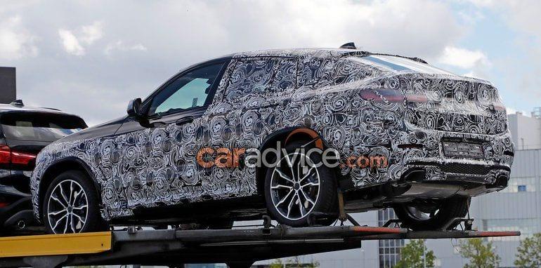2018 BMW X4 rear view