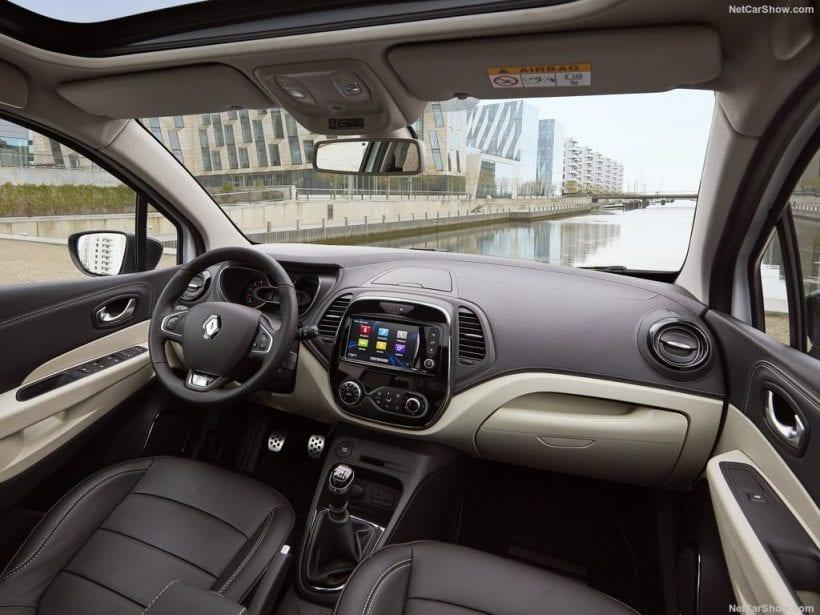 2018 Renault Captur interior