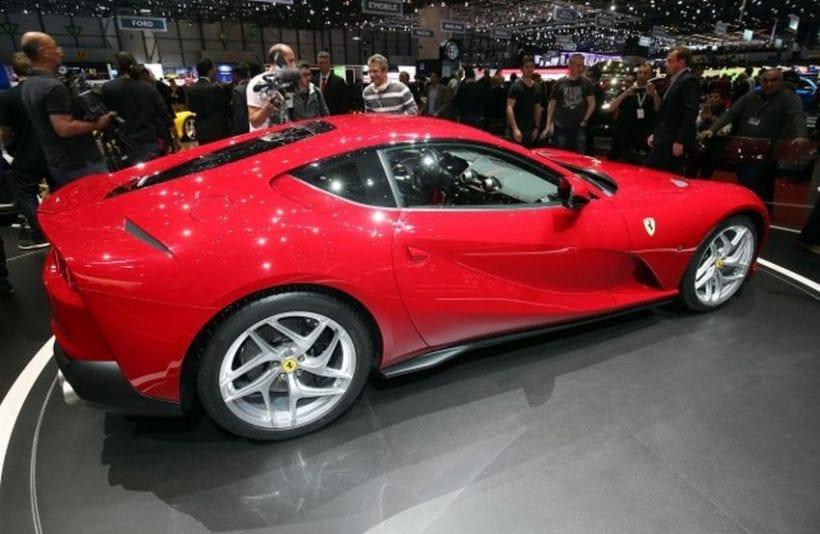 2019 Ferrari 812 Aperta top view
