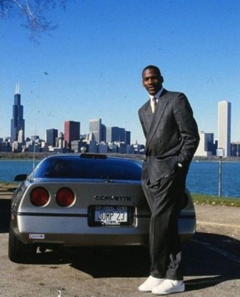 Top 10 Cars Of Michael Jordan
