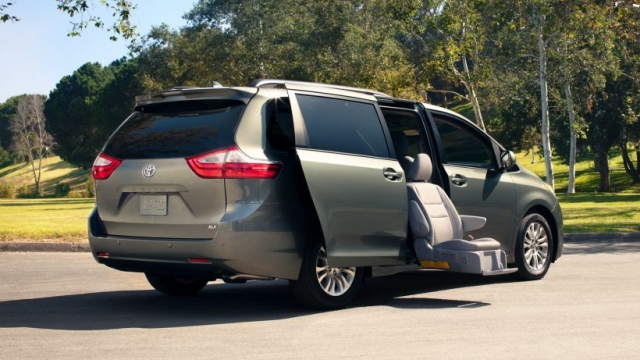 2019 toyota sienna redesign release date interior rumors photos. Black Bedroom Furniture Sets. Home Design Ideas
